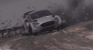 WRC 8 muestra gameplay con carrera nocturna y lluviosa